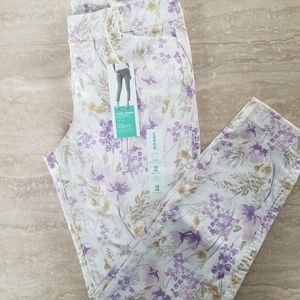 Old Navy Floral Pixie Chino, Size 2